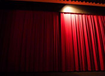 Divadelní služby - funkční závěsy