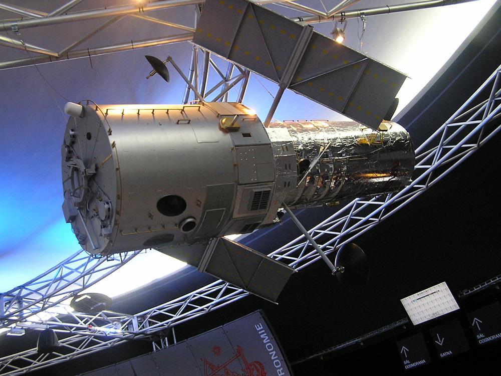 Modely družic - Modely strojů a maket Vega