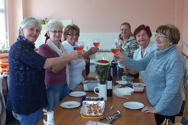 Vzdělávací programy pro seniory - TOTEM Plzeň
