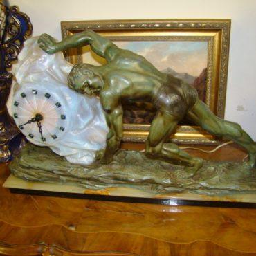 Prodej starožitných hodin - hodiny-art-deco-s-lampou
