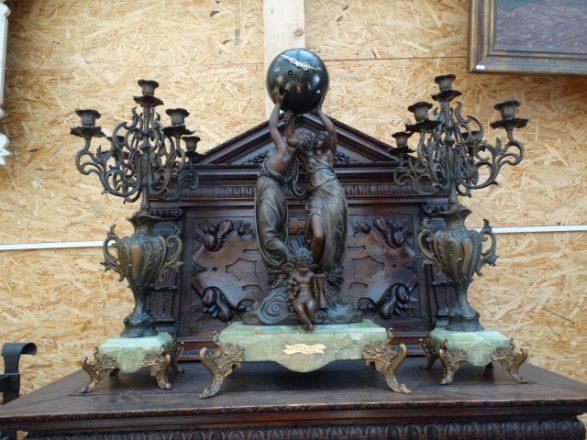 Prodej starožitných hodin -krbove-hodiny-se-svicny