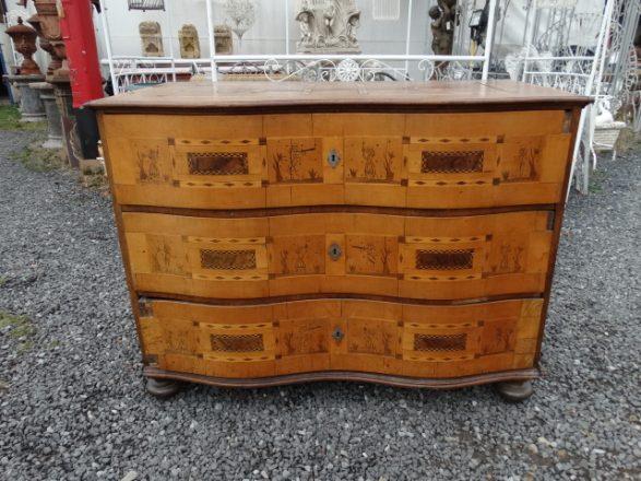 Prodej starožitností - starožitný nábytek
