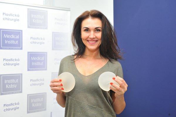 Prsní implantáty - zvětšení prsou