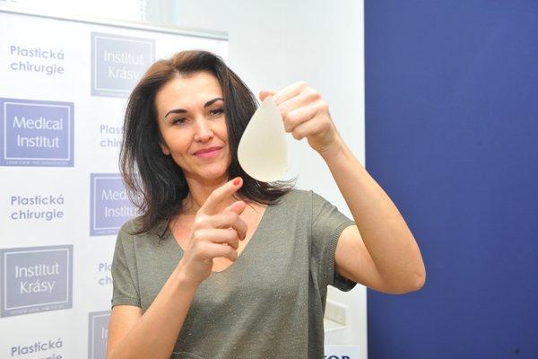 Zvětšení prsou implantáty Plzeň